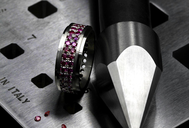 Kultasepän materiaalit platina platinum material petri pulliainen