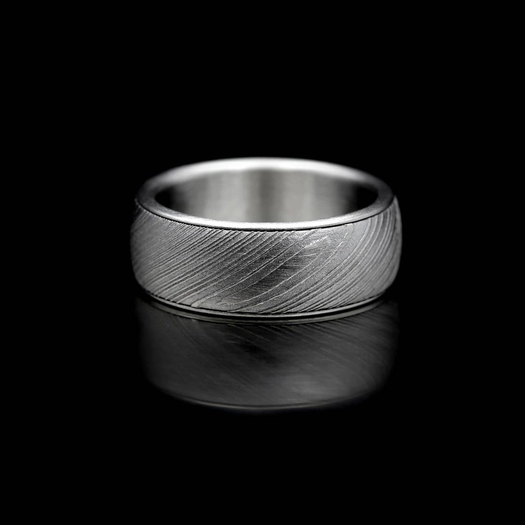 Smooth Twist Damascus ring. | Sulavapintainen Twist Damacussormus. | Design Kultaseppä Goldsmith Petri Pulliainen.
