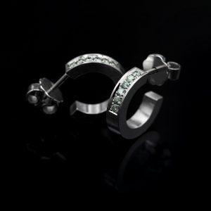 Mint diamond earrings. | Minttu Timanttikorvarenkaat. | Design Kultaseppä Goldsmith Petri Pulliainen.